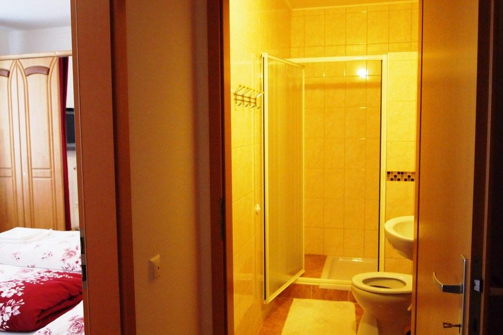 Baie apartament 2 camere
