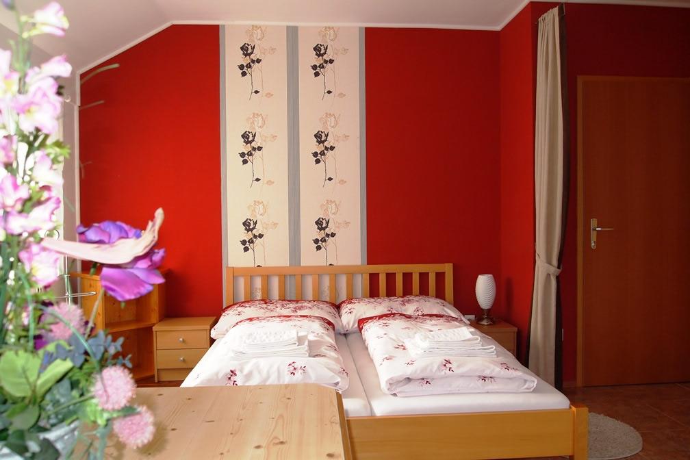 Camera mare Lucinel