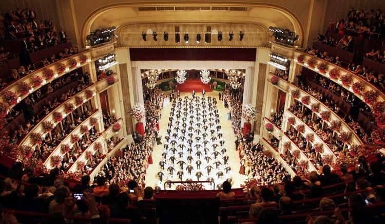 Bal opera Viena