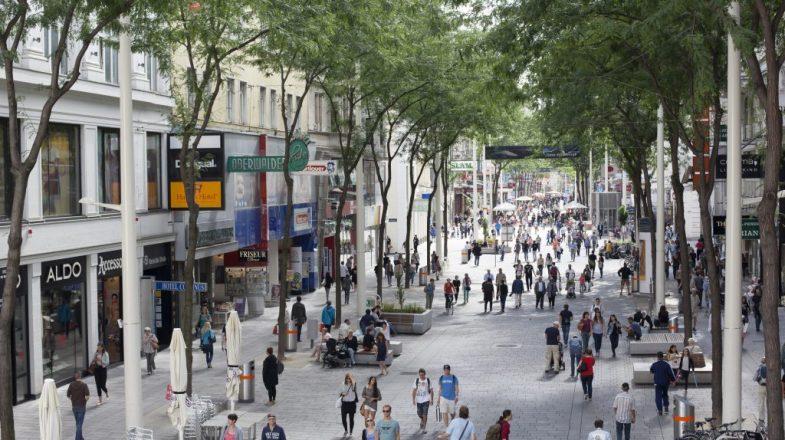 Mariahilferstrasse - Shopping la Viena - Cazare la pensiunea Lucinel