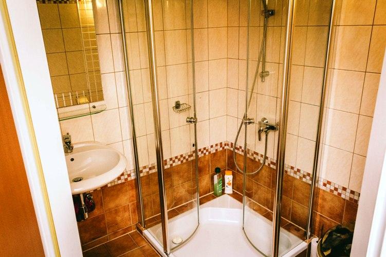 Cazare la Viena de la 49 euro camera cu baie proprie
