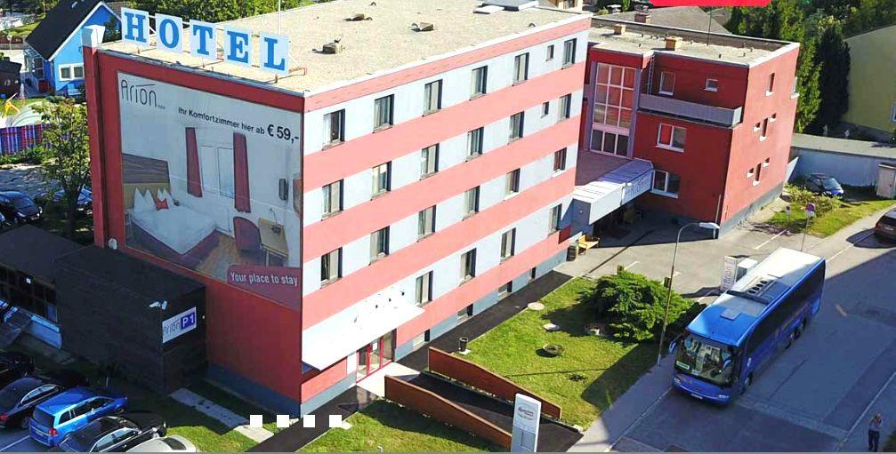 Hotel_Viena_cu_parcare_