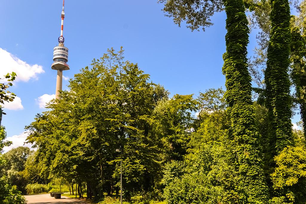 Donau Turm - Obiectiv Turistic Viena